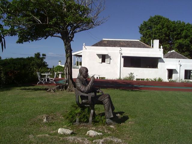 Firefly - Noel Coward statue