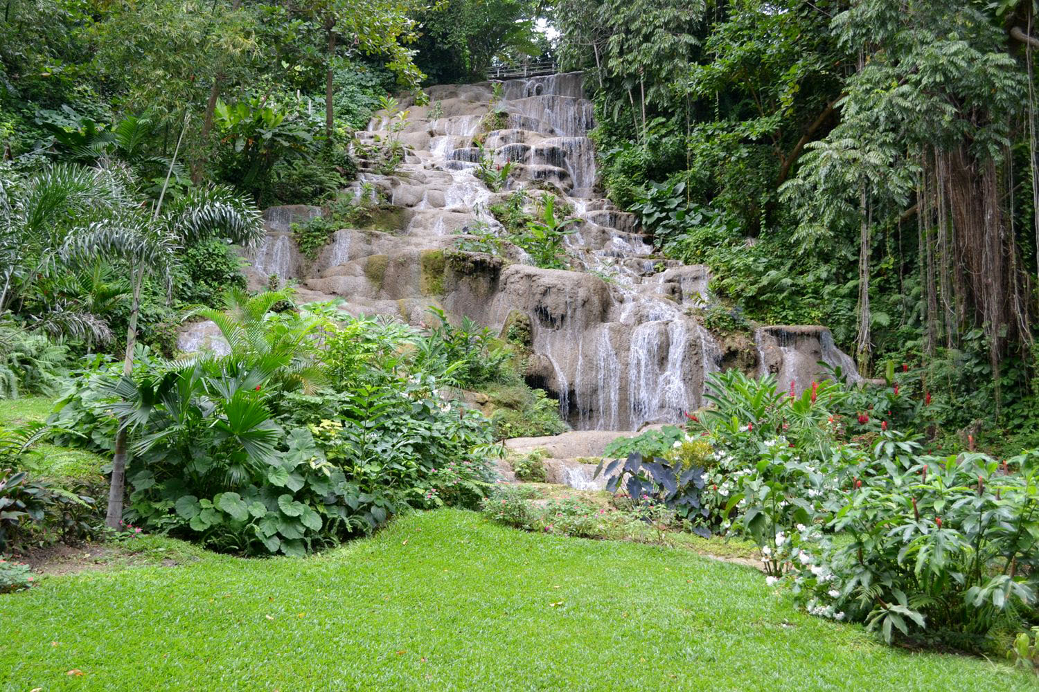 Carl Gilchrist/Photographer   Konoko Falls, Ocho Rios, St Ann                *** Local Caption *** Carl Gilchrist/Photographer   The cascading waterfall greets you as you enter the lower level of the newly refurbished attraction in Ocho Rios, St Ann.